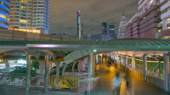 Thumbnail for Crowd Walking in Modern City