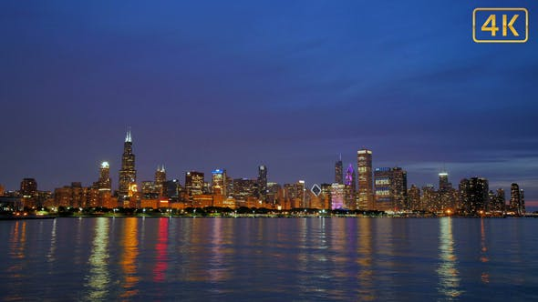 Thumbnail for Chicago Skyline Reflected on the Lake at Sunset 4K