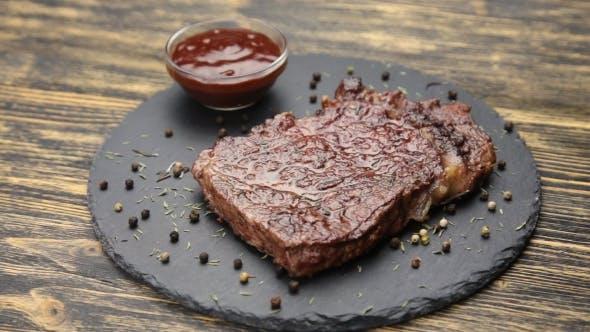 Steak Und Sauce Drehen