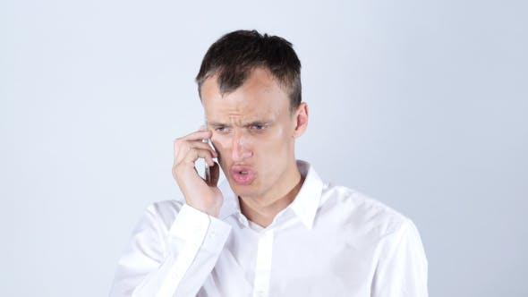 Thumbnail for Wütend Geschäftsmann Missbrauch und Kämpfen am Telefon