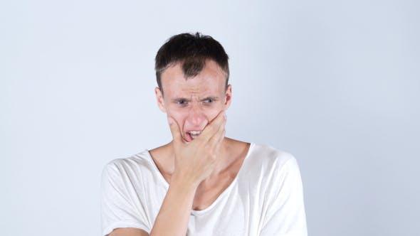 Thumbnail for Schockiert, trauriger junger Mann