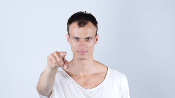 Thumbnail for Geschäftsmann Porträt von Mann zeigt mit seinem Finger