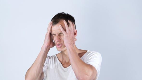 Thumbnail for Geschäftsverlust, Besorgter Mann nach dem Scheitern