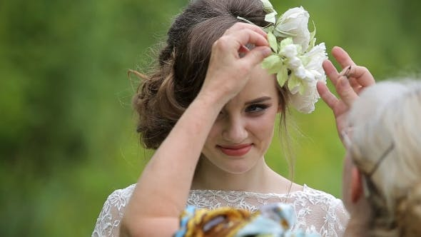 Thumbnail for Beautiful Young Girl Dress Decoration