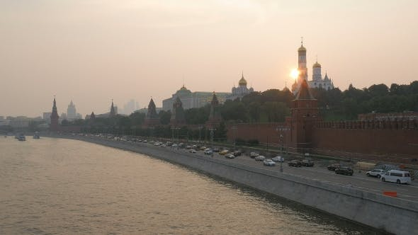 Thumbnail for Car Traffic On Moscow River Embankment In Summer Sunset