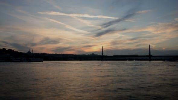 Thumbnail for Golden Horn Metro Brücke