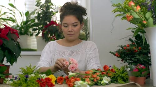 Creating Bridal Bouquet