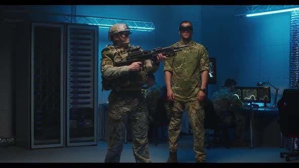 Soldat testet VR-Technologie