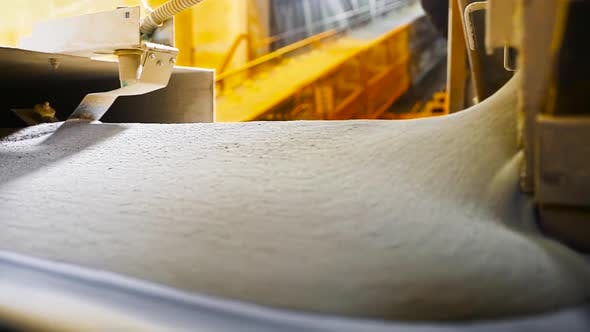 Thumbnail for Conveyor processing of cement powder