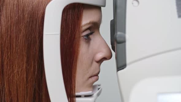 Measuring Eye Refraction