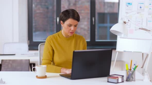 Thumbnail for Businesswoman with Laptop Working at Office 3