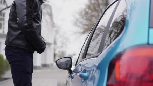 Car Thief Hacks Someone Else's Car
