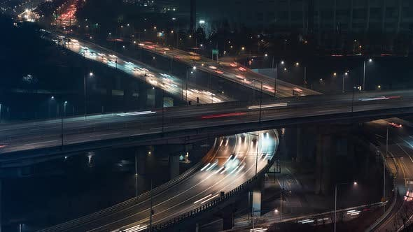 The Expressway's Traffic at Night in the Korean Capital