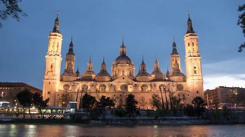 Timelapse of the Basilica at dusk