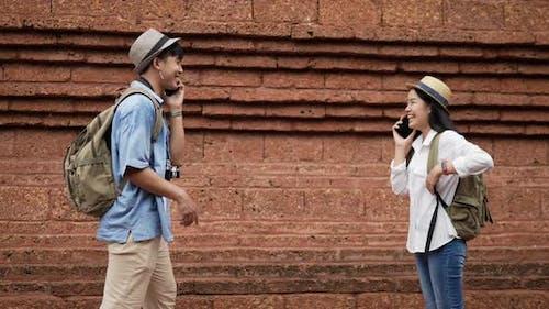 Paar datiert im alten Tempel