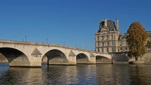 The pont de la Concorde overcrossing the river Seine. Paris, France