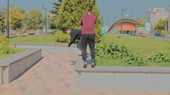 Guys Do Parkour in the Park