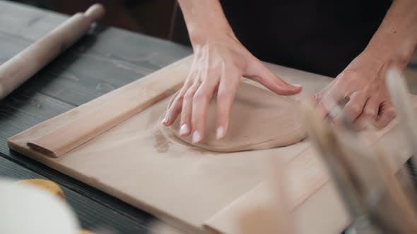 Pottering Concept Potter in Workshop