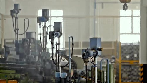Automatic Warehouse with Robotic Arms.