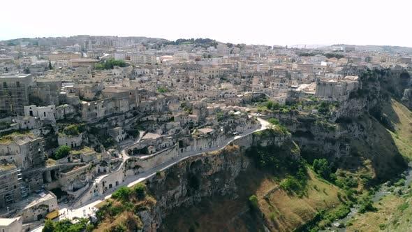 Thumbnail for Luftaufnahme der antiken Stadt Matera Sassi Di Matera in Sunny Day, Basilikata, Süditalien