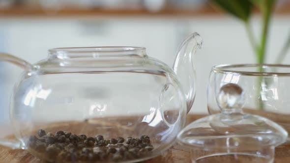 Method of Brewing Green Tea in a Transparent Glass Teapot