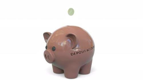 Geld fallen in Sparschwein mit Einzahlungskonto Text