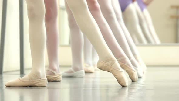 Ballet Dancers Background