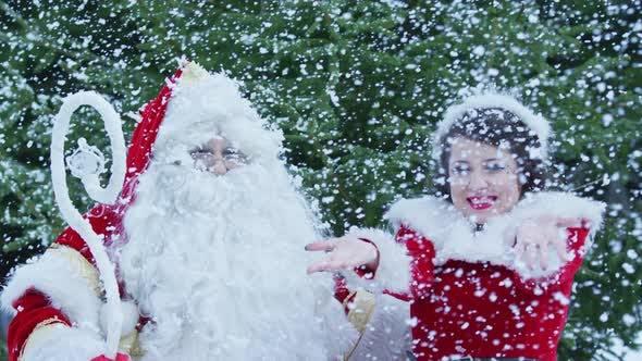 Thumbnail for Enjoying snowfall