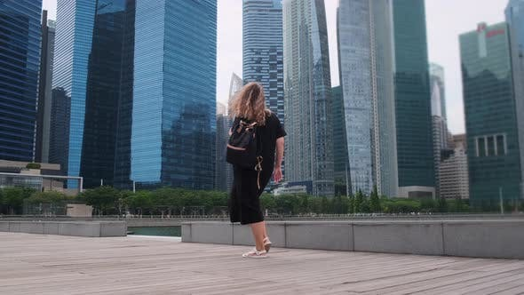 Walk To Enjoy Singapore Urban Scene