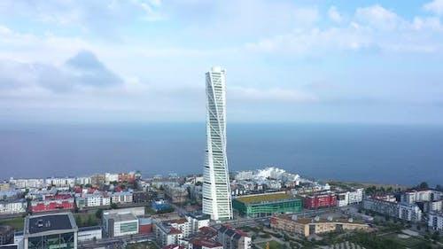Luftaufnahme des Wolkenkratzers Turning Torso