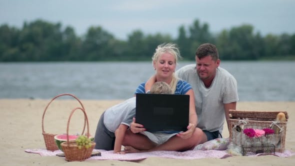 Thumbnail for Family Talking With Grandparents Using Laptop