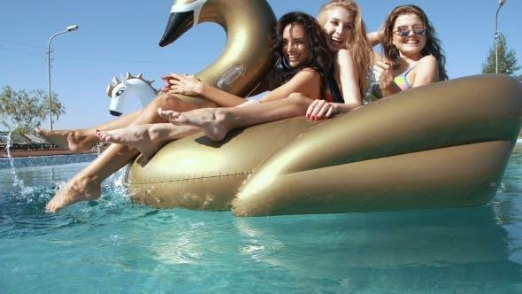 Thumbnail for Swimming Pool, Women 20S, Beach