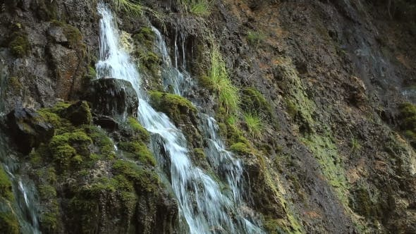 Thumbnail for Wasserfall im Herbst Wald