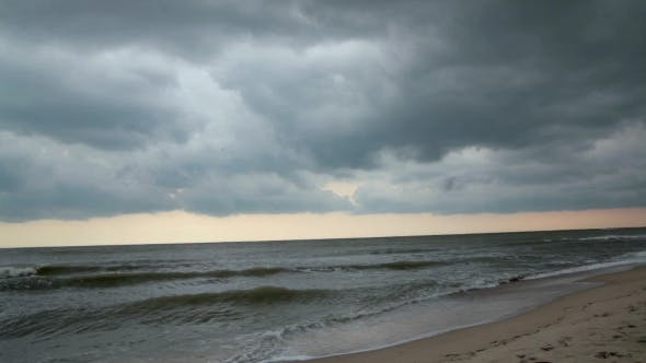 Cover Image for Cloudy Sky On Sea Bad Weather. Storm Sea