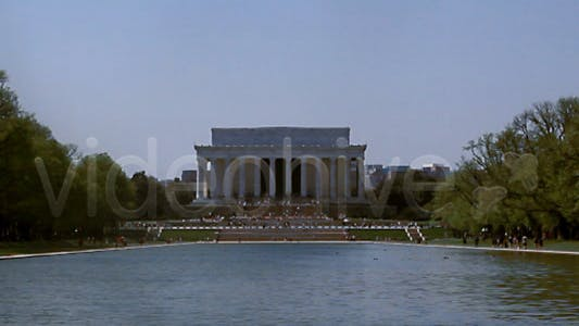 Wide-shot of the Lincoln Memorial Full HD