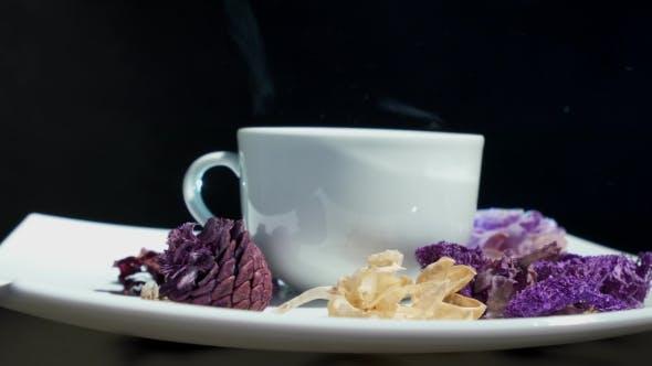 Thumbnail for Tasse Tee mit Blumen Drehen