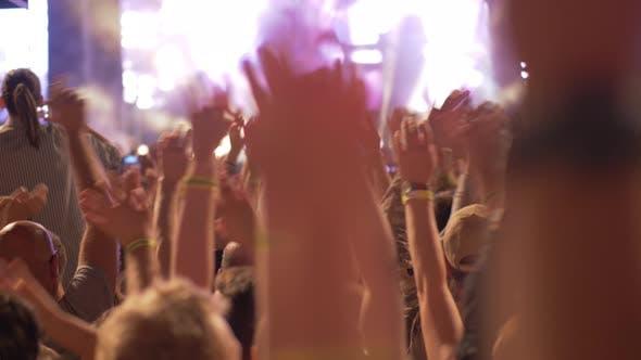 Hände auf das Konzert
