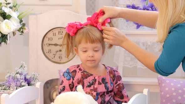 Mom Puts Your Daughter's Hair