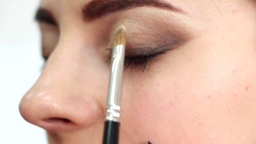Applying Eye Shadow Brush