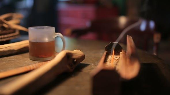 Thumbnail for Eine Tasse Heißer Tee auf Holztisch