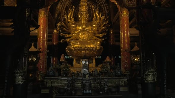 Cover Image for Buddhist Statue And Altar Decoration In Bai Dinh Temple, Vietnam