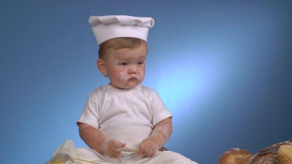 Thumbnail for Little Baby Baker Spielen Mit Pasta Und Brot