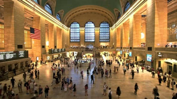 Cover Image for Passengers Traveling Through Grand Central Station