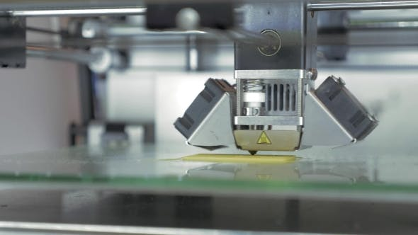 Cover Image for 3D Printer Creating Model