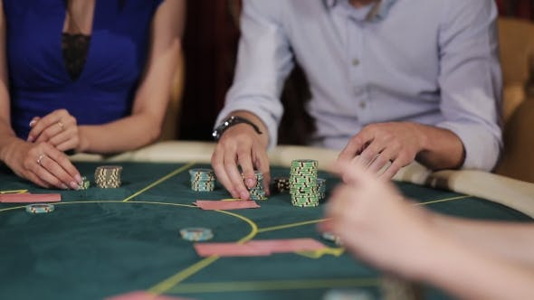 The Voltage at the Poker Table. The Company of Players at the Poker Table.