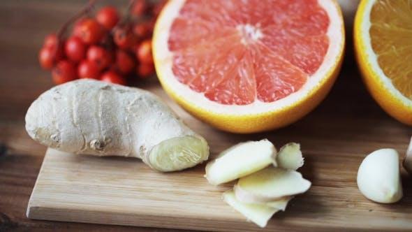 Thumbnail for Ginger, Grapefruit, Orange And Garlic On Board