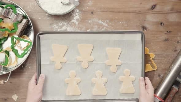 Thumbnail for Schritt für Schritt. Ferienzeit backen. Backen Zuckerkekse für Weihnachten.