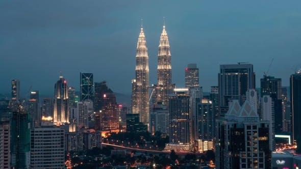 Nacht wechselnden Abend in Kuala Lumpur