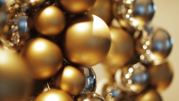 Cover Image for Christmas Decoration Balls Or Garland Of Beads 12