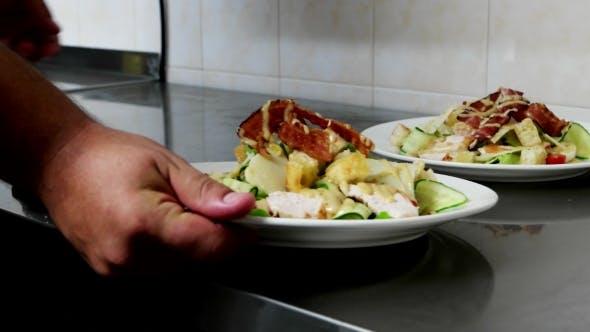 Thumbnail for Bereiten Sie Mahlzeiten in der Küche